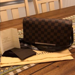 Louis Vuitton Hoxton PM Damier Crossbody Bag